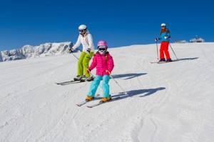 Kinder auf Skipiste