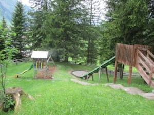 Spielplatz beim Berwanger Bärenbadjpg