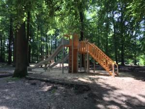 Waldspielplatz Esslingen Spielturm