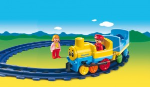 PLAYMOBIL Kunterbunte Schiebebahn im Spielzeugeisenbahn Vergleich