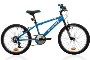 B'Twin Racingboy 320 Mountainbike im 20 Zoll Kinderfahrrad Vergleich