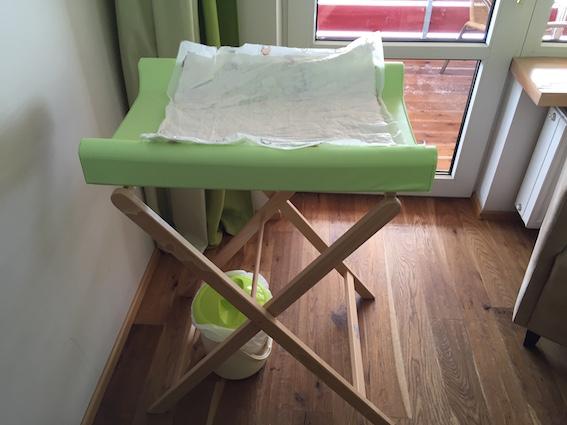 Wickeltisch in Familiensuite im Oberjoch – Familux Resort