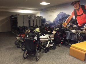 Buggy und Kinderwagen im Kinderhotel Alpenrose