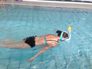 Decathlon Tribord Easybreath Schnorchelmaske im Hallenbad