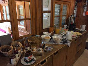 Frühstücksbüffet auf der Wannenkopfhütte