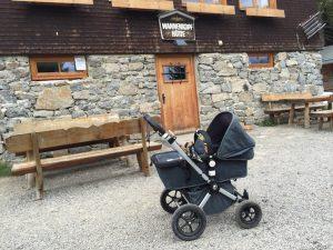 Kinderwagen vor Wannenkopfhütte