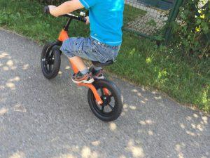 Rocky Bike Laufrad im Praxis-Test_fussablage