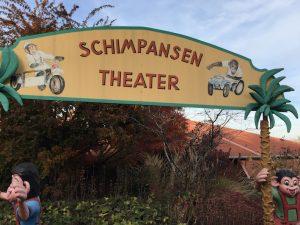Schimpansen-Theater im Schwabenpark