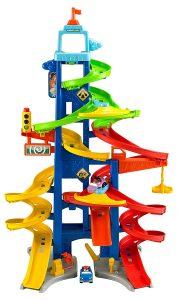 Mattel Fisher-Price BGC34 Little People Hochhausrennbahn im Spielzeug-Parkhaus Vergleich