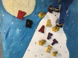Bouldern mit Kindern_Vels Boulderhalle_Klettern