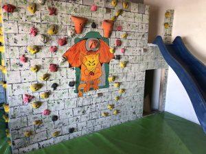 Bouldern mit Kindern_Vels Boulderhalle_Zwergenschloss