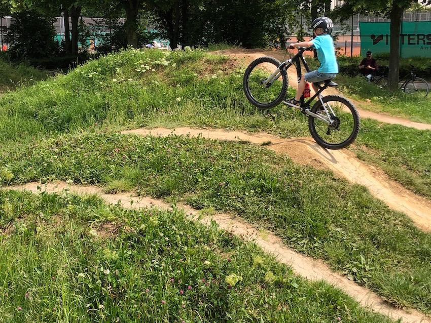 woom OFF AIR im Praxis-Test_im Bike-Park